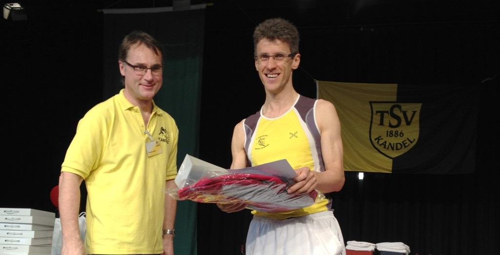Bienwald Marathon 2013 Siegerehrung Hermann Plaickner